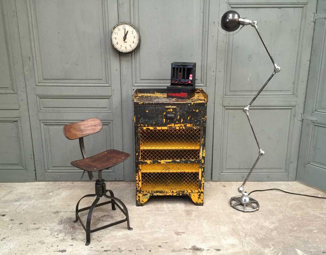 console-atelier-ancienne-rivetee-patine-jaune-industrielle-5francs-9