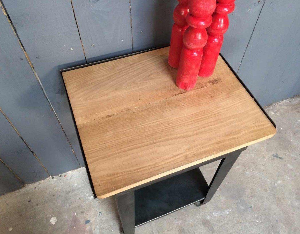 desserte d 39 atelier sur roulettes. Black Bedroom Furniture Sets. Home Design Ideas