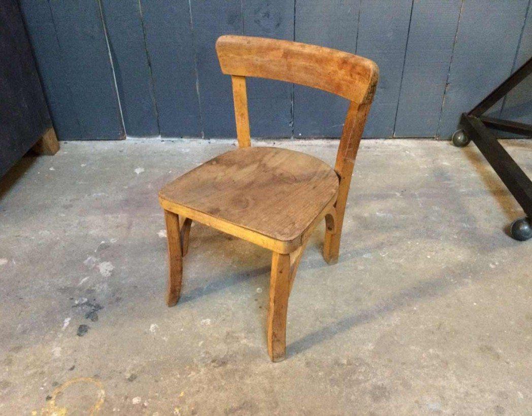 petite chaise baumann enfant. Black Bedroom Furniture Sets. Home Design Ideas