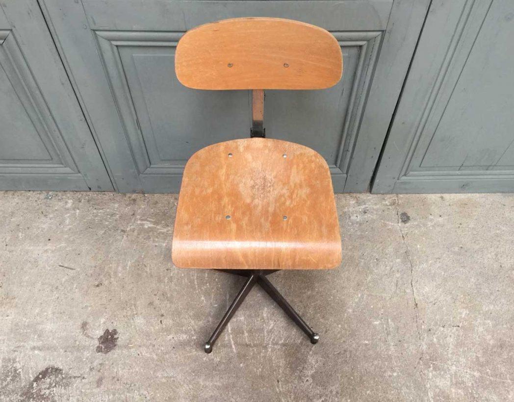 ensemble-chaises-atelier-usine-5francs-4