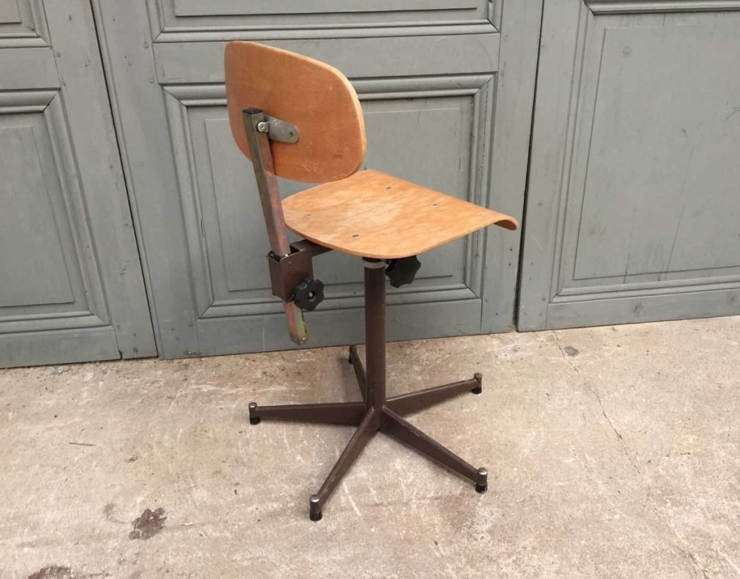 ensemble-chaises-atelier-usine-5francs-5