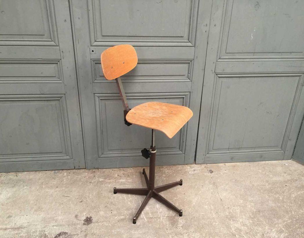 ensemble-chaises-atelier-usine-5francs-6