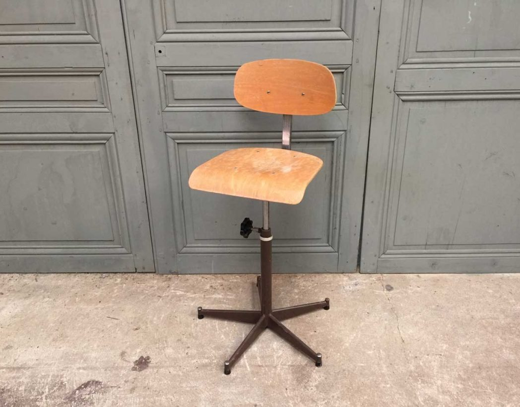 ensemble-chaises-atelier-usine-5francs-7