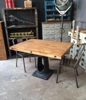 table-industrielle-pied-fonte-5francs-1