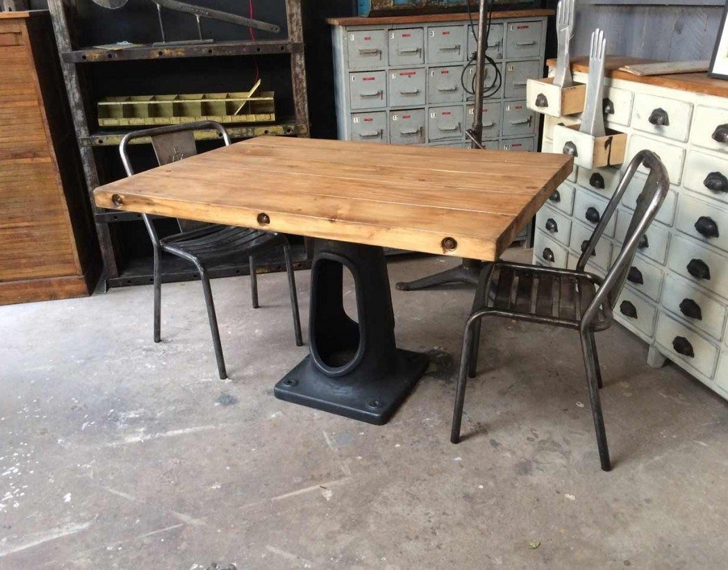 Table industrielle pied fonte for Table industrielle