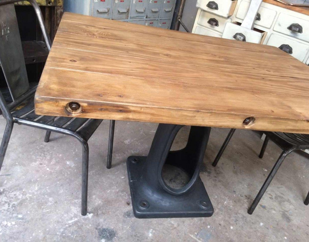 Table industrielle pied fonte for Table industrielle pas cher