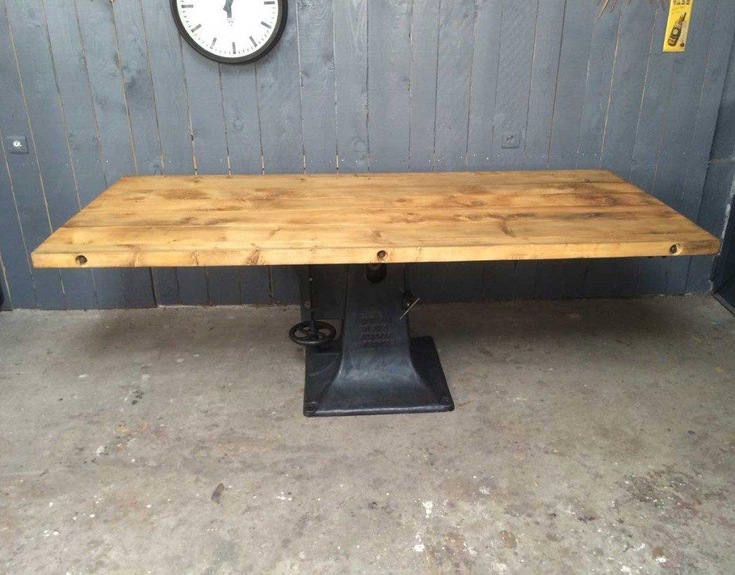 table industrielle pied central en fonte. Black Bedroom Furniture Sets. Home Design Ideas