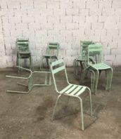 chaise bistrot patine bleue style tolix 5francs 1 1 172x198 - Ensemble 20 anciennes chaises bistrot métal bleu/vert style Tolix