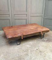 daybed-vintage-tapis-cuir-palette-sncf-5francs-1