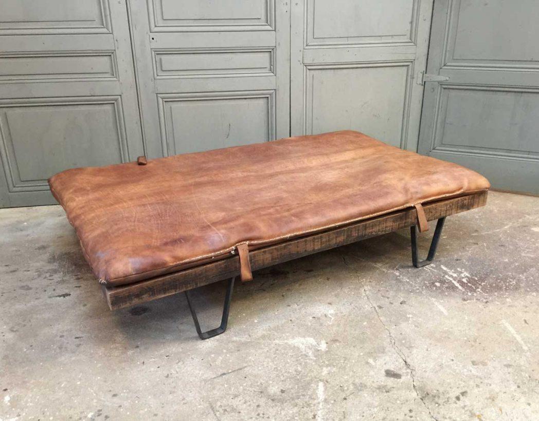 daybed-vintage-tapis-cuir-palette-sncf-5francs-2