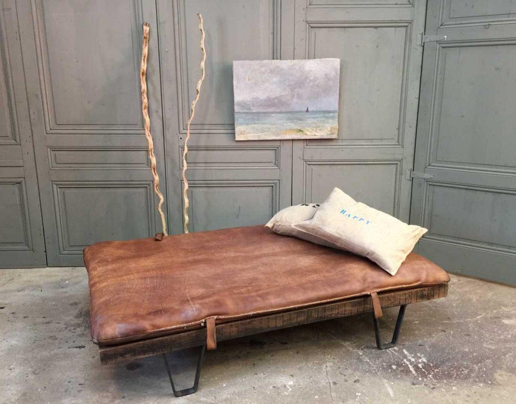 daybed-vintage-tapis-cuir-palette-sncf-5francs-7
