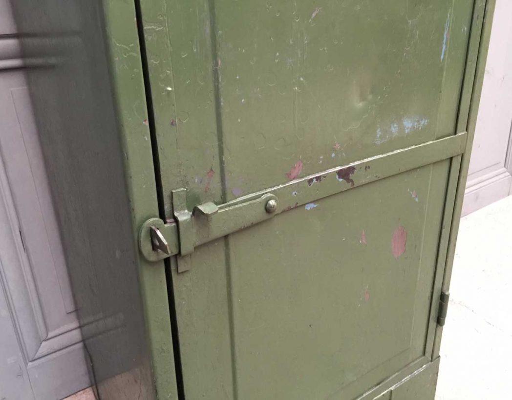ancienne-console-atelier-verte-industrielle-5francs-5