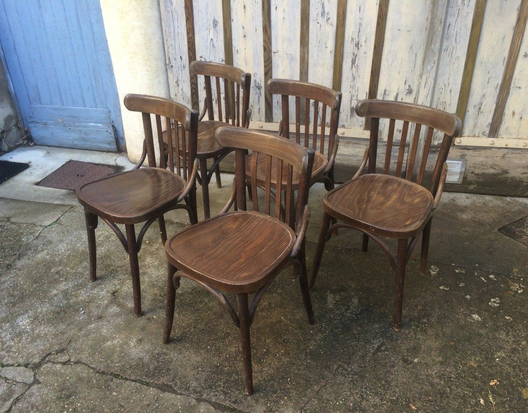 Lot 60 chaises bistrot type baumann thonet for Chaise de bistrot en bois