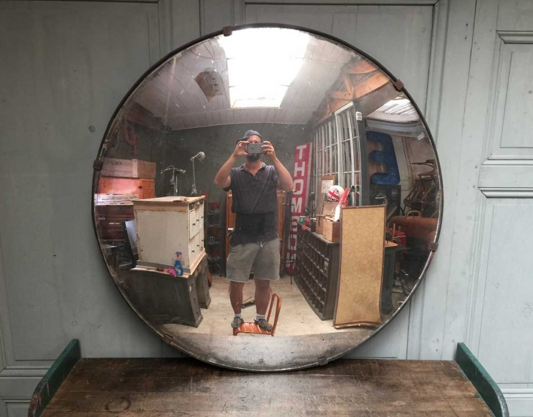 Ancien grand miroir convexe for Miroir xxl rond