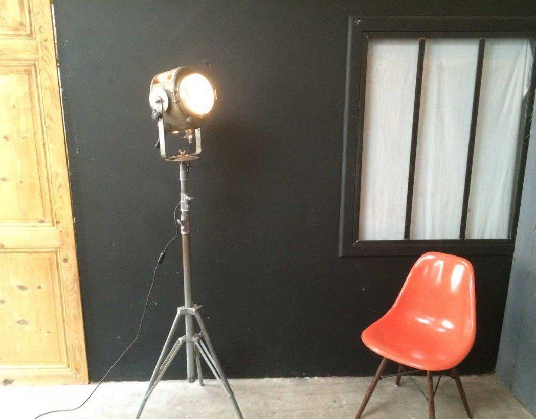 ancien projecteur cremer de cin ma 5 francs. Black Bedroom Furniture Sets. Home Design Ideas