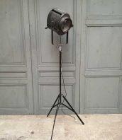 projecteur-cremer-trepied-cinema-5francs-1