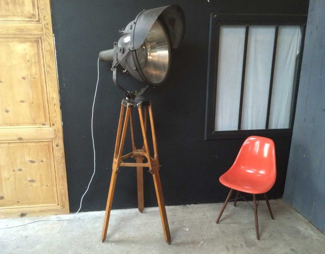 ancien projecteur breguet de piste. Black Bedroom Furniture Sets. Home Design Ideas