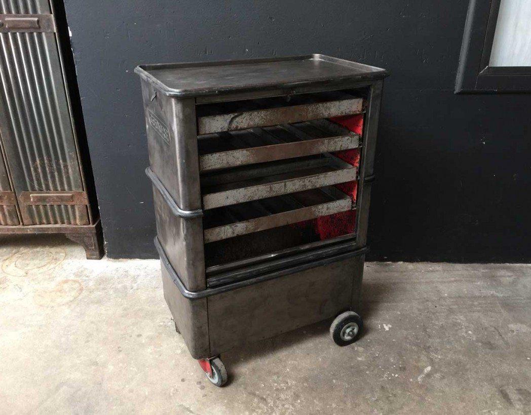ancienne servante d 39 atelier. Black Bedroom Furniture Sets. Home Design Ideas