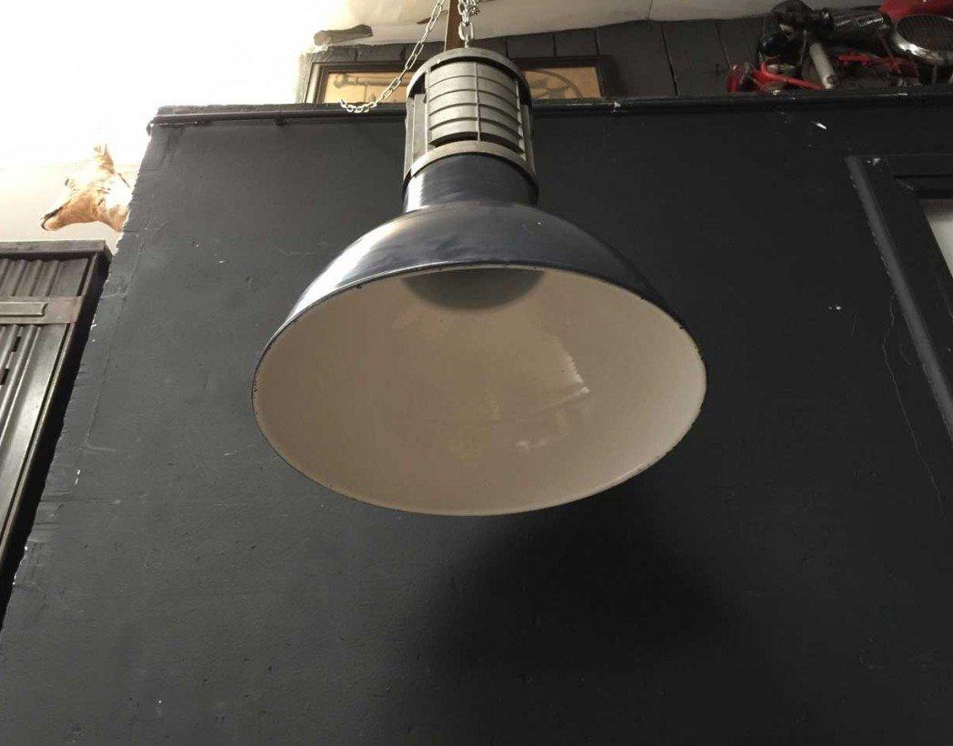 suspension-mazda-atelier-emaille-industrielle-5francs-5