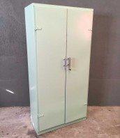 armoire-cuisine-vintage-tolix-rangement-chambre-enfant-5francs-1