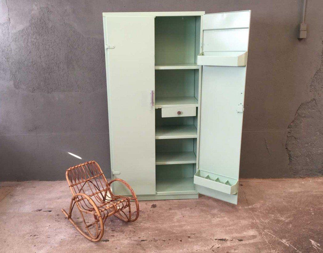armoire tolix couleur vert d 39 eau. Black Bedroom Furniture Sets. Home Design Ideas