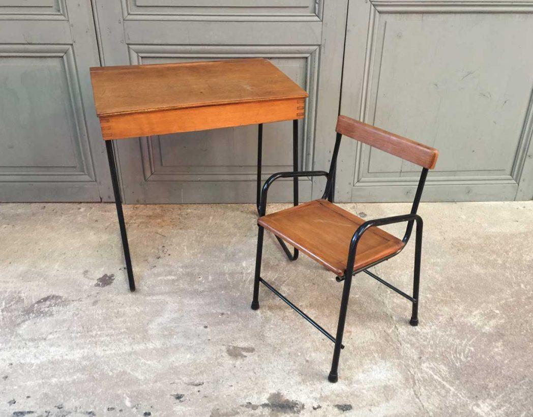 ensemble bureau et chaise enfant vintage. Black Bedroom Furniture Sets. Home Design Ideas