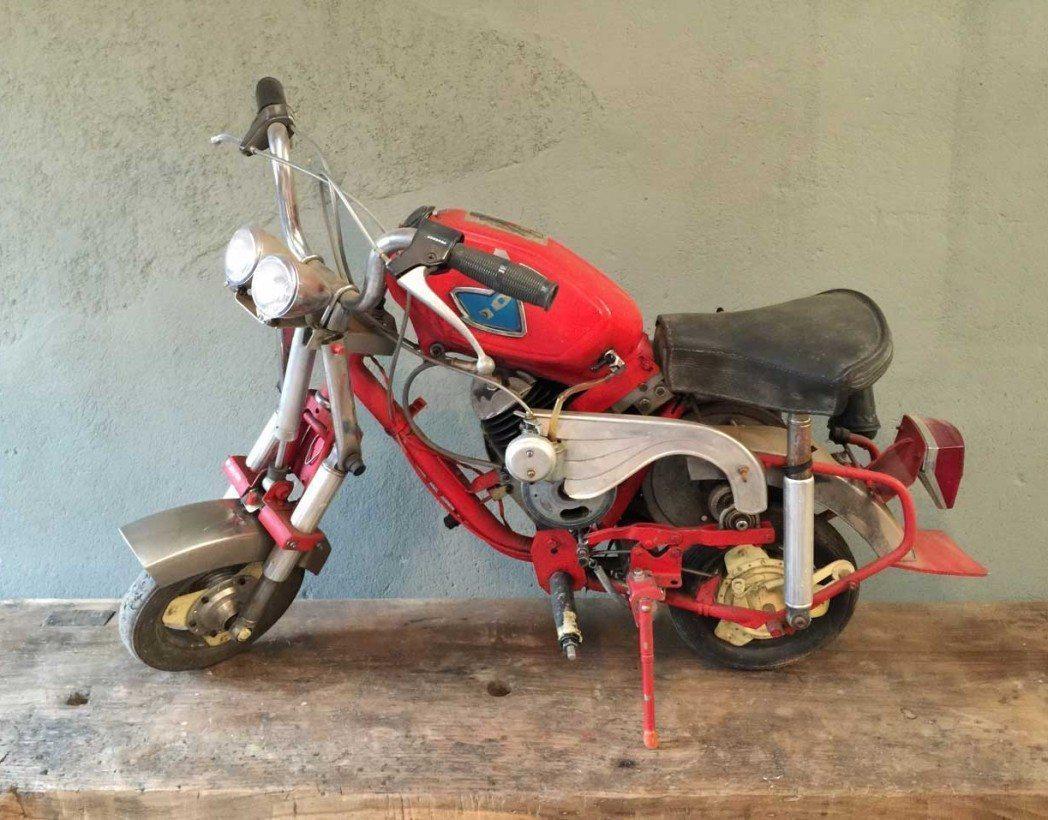 mini-moto-modele-unique-104-ancienne-5francs-1