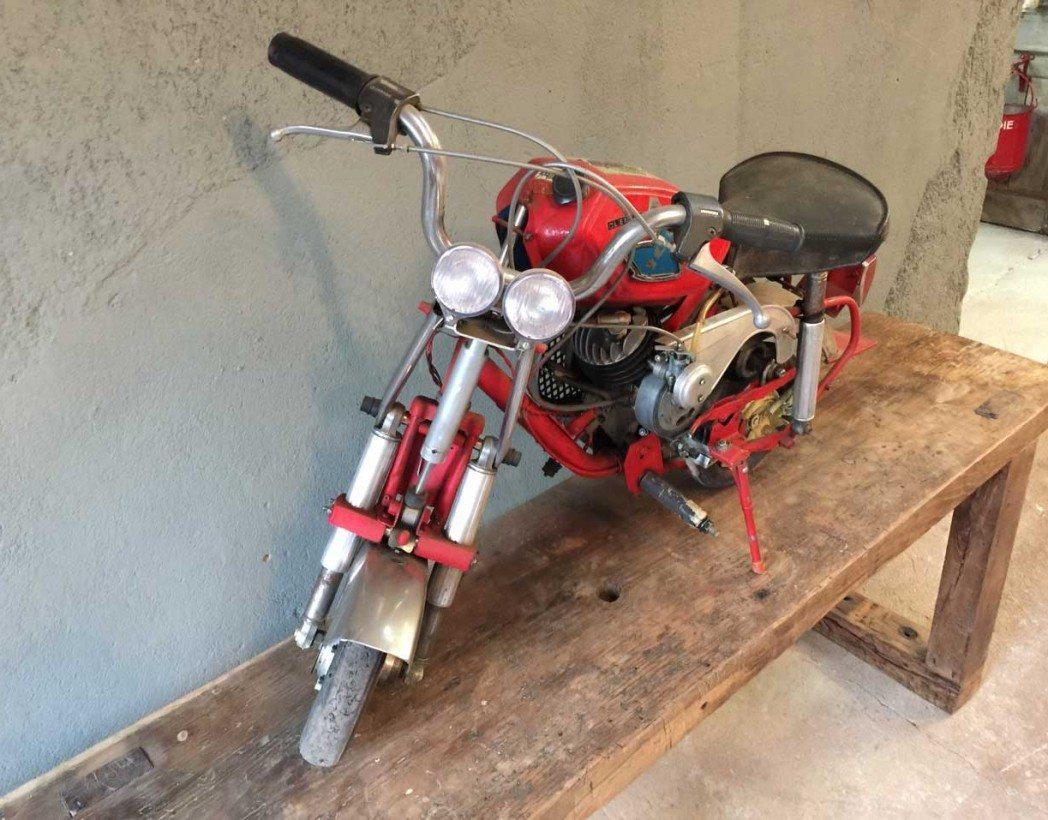 mini-moto-modele-unique-104-ancienne-5francs-4