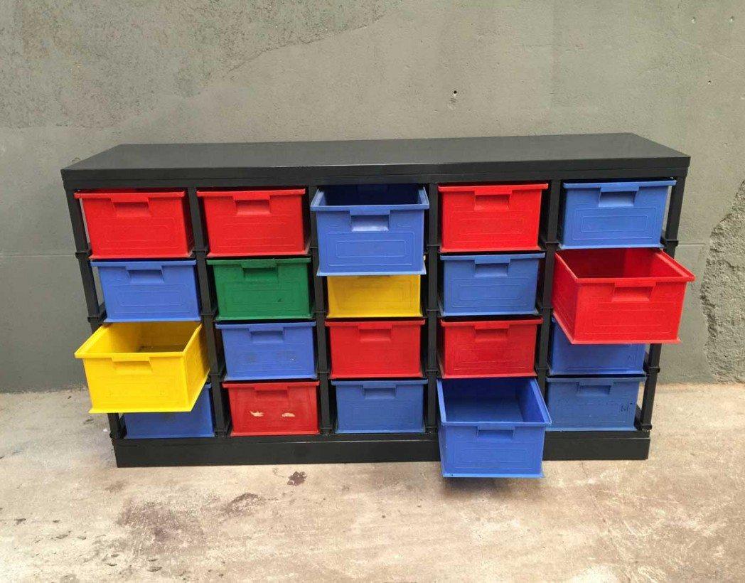 atypique meuble de rangement d atelier foumi des ann es 80 90. Black Bedroom Furniture Sets. Home Design Ideas