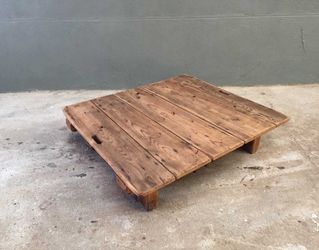 Table basse ancienne palette en bois - Table basse palette industrielle vintage ...