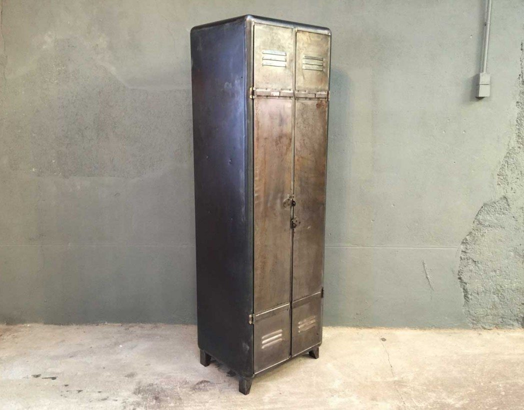 ancien vestiaire industriel 2 portes arrondi. Black Bedroom Furniture Sets. Home Design Ideas