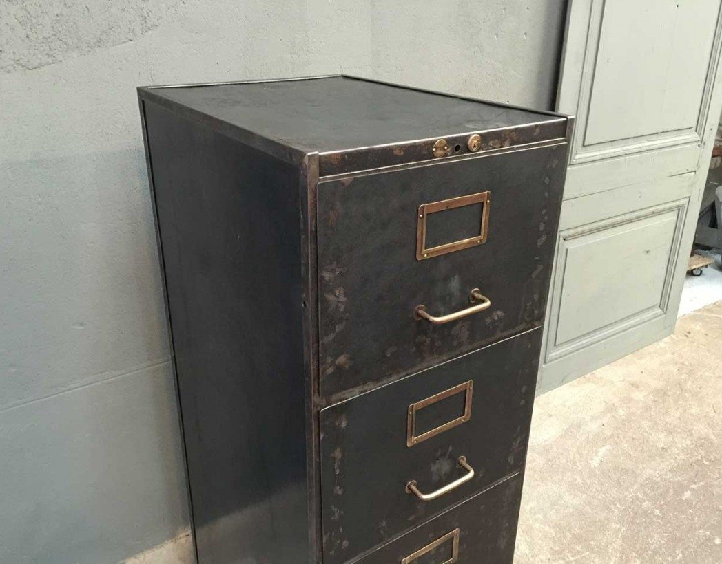 Bien aim casier a tiroir metal zl82 montrealeast for Armoire casier industriel