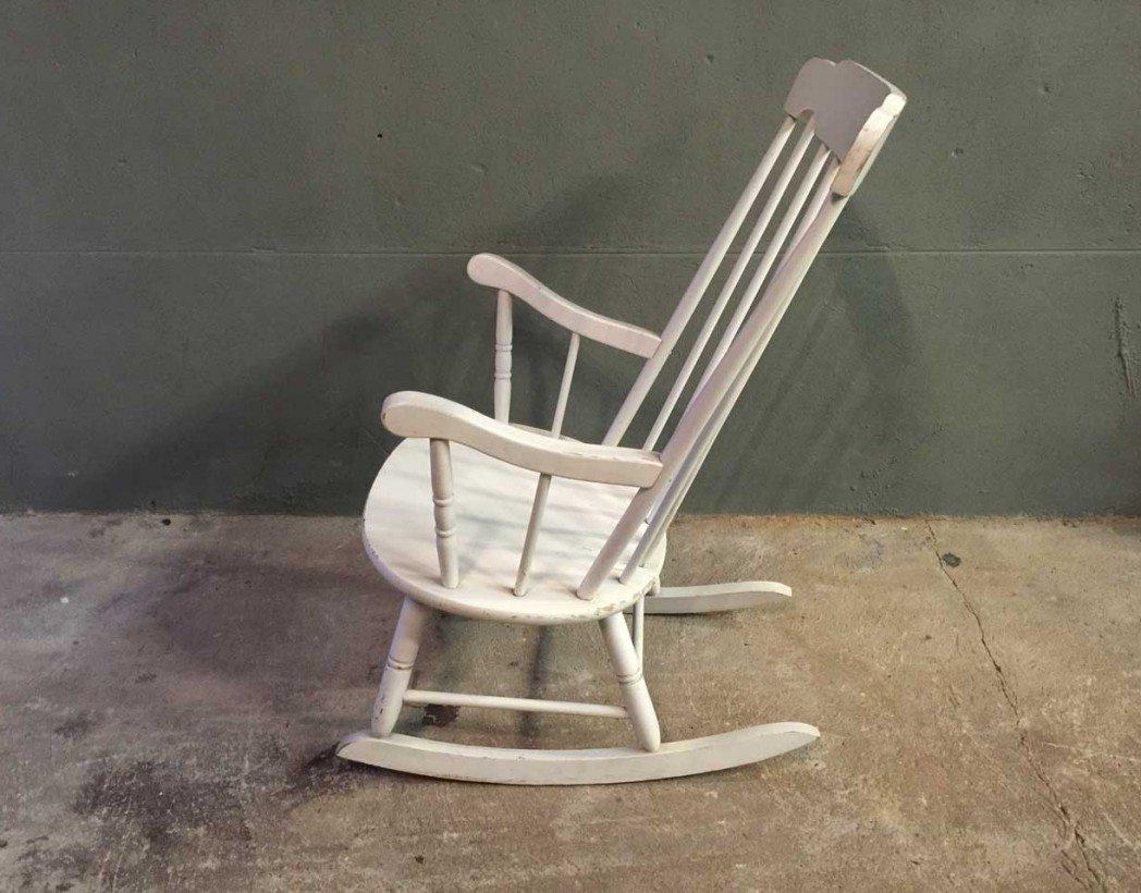 ancien rockingchair adulte en bois. Black Bedroom Furniture Sets. Home Design Ideas