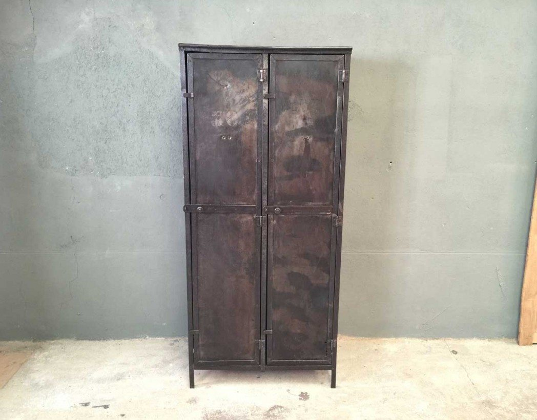vestiaires industriels cool vestiaire industriel portes vintage with vestiaires industriels. Black Bedroom Furniture Sets. Home Design Ideas
