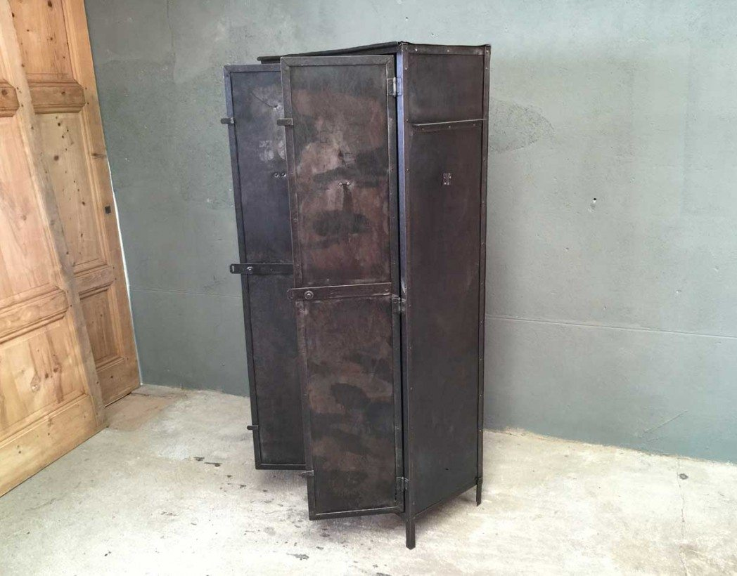vestiaire atelier cheap chere sur idee deco interieur. Black Bedroom Furniture Sets. Home Design Ideas