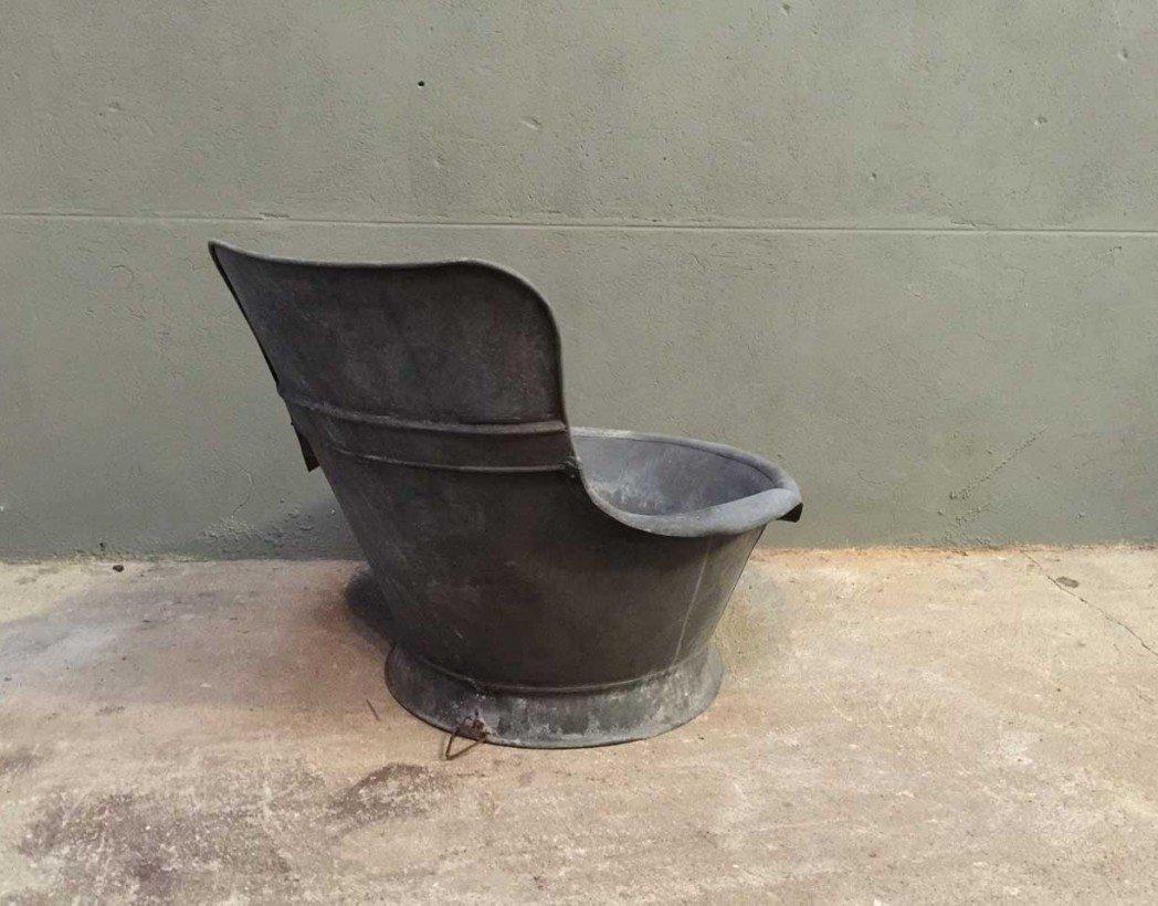 ancienne baignoire en zinc. Black Bedroom Furniture Sets. Home Design Ideas