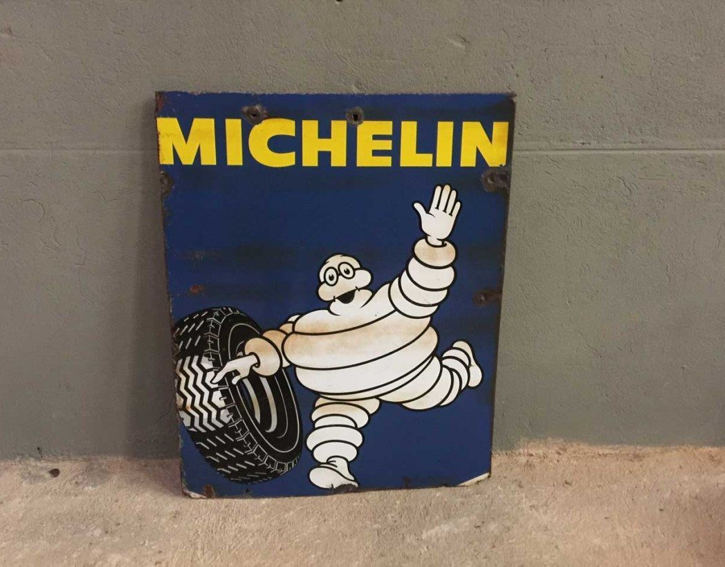 ancienne plaque maill e michelin. Black Bedroom Furniture Sets. Home Design Ideas