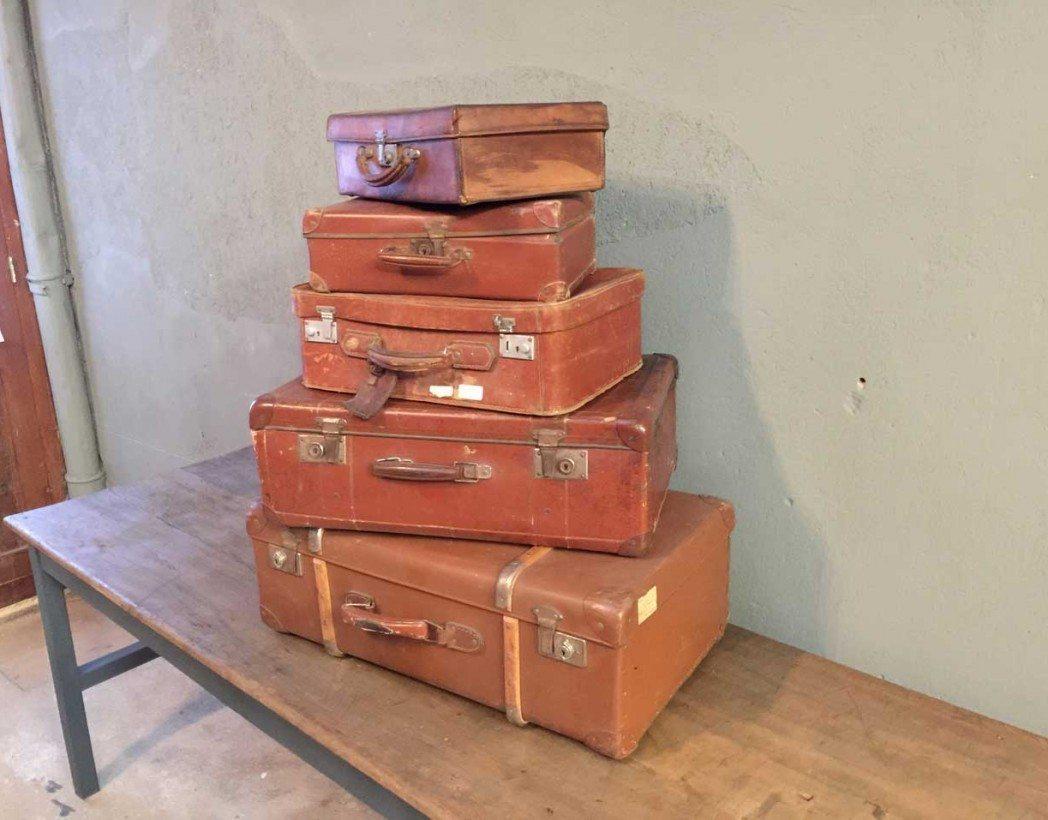 ancienne-valise-vintage-pyramide-cuir-decoration-5francs-5