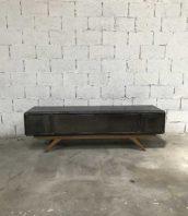 meuble tv industriel vestiaire design 5francs 1 1 172x198 - Meuble TV revisité vestiaire arrondi et pieds compas