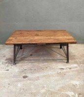 table-basse-industrielle-bois-metal-recup-5francs-1