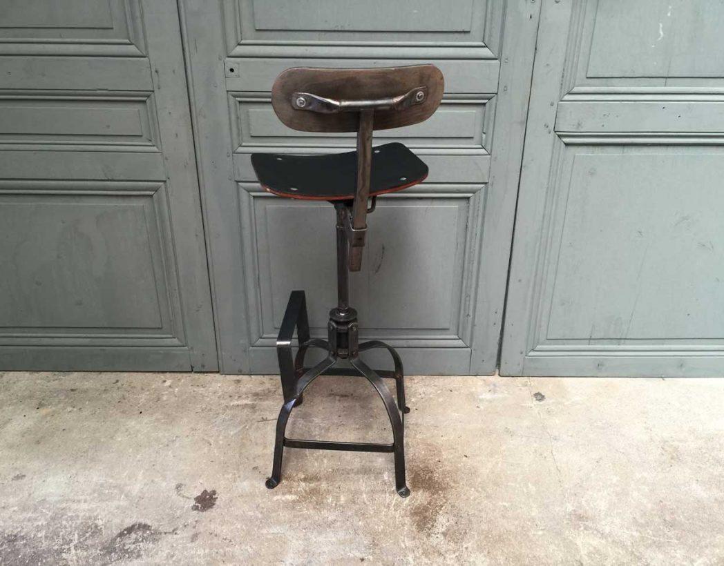 Chaise haute bienaise avec assise en cuir noir chaise de type industriel - Chaise haute industriel ...
