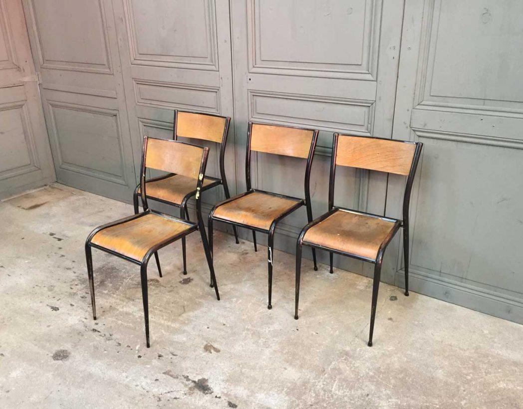 Ensemble 16 chaises d 39 cole pied fuseau for Chaise 3 pieds