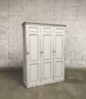 vestiare bois ecole vintage 5francs 1 1 172x198 - Ancien vestiaire d'école en bois 3 portes patine blanche