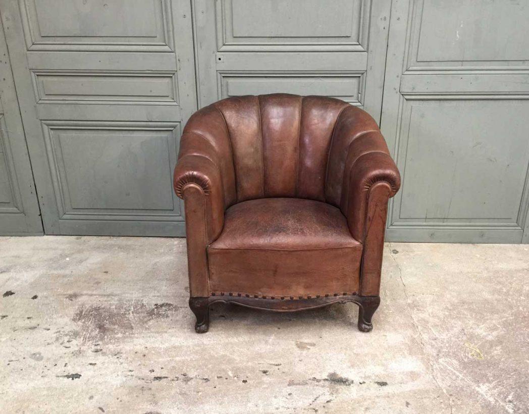 fauteuil club cuir ann e 30 pattes de lion. Black Bedroom Furniture Sets. Home Design Ideas