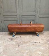 grand-cheval-arcon-cuir-vintage-banquette-5francs-1