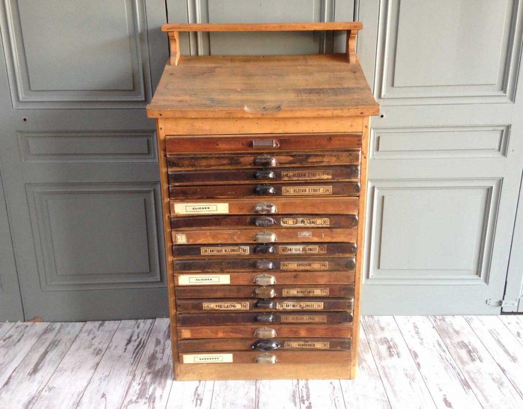 Ancien meuble d 39 imprimeur for Meuble ancien du quebec