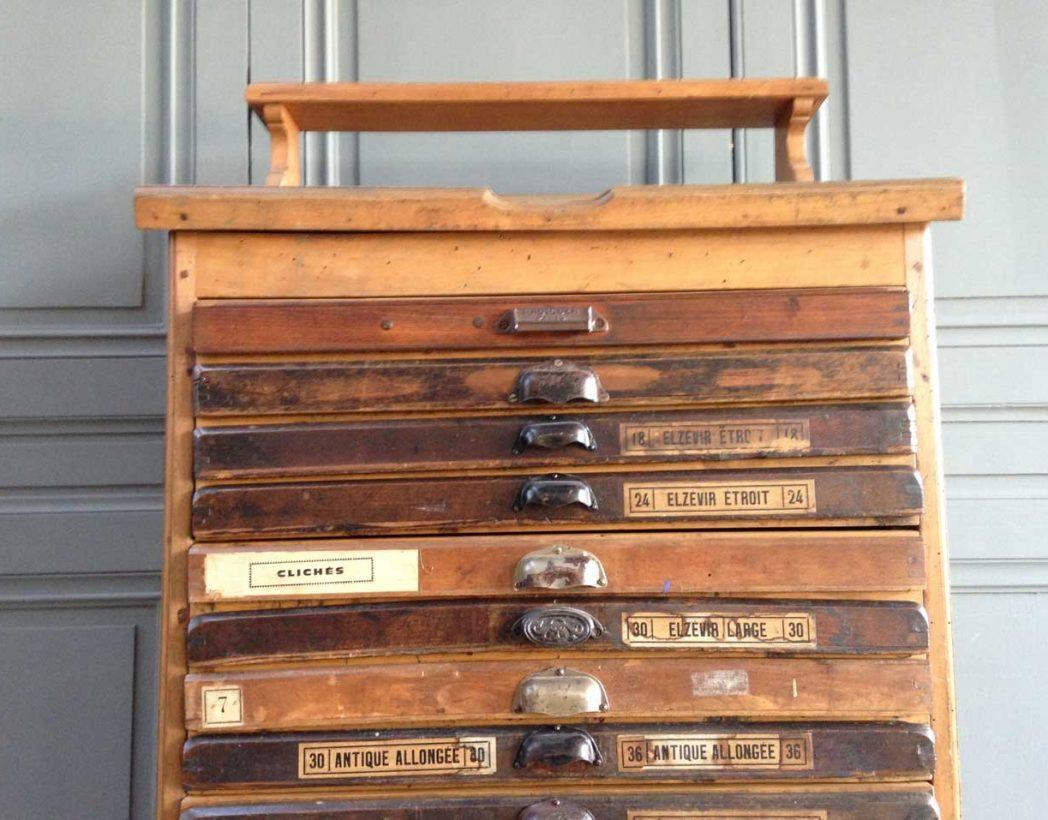 Ancien meuble d 39 imprimeur for Ancien meuble a tiroir