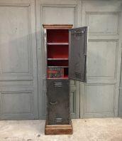 ancien-coffre-fort-metal-mobiler-industriel-5francs-0