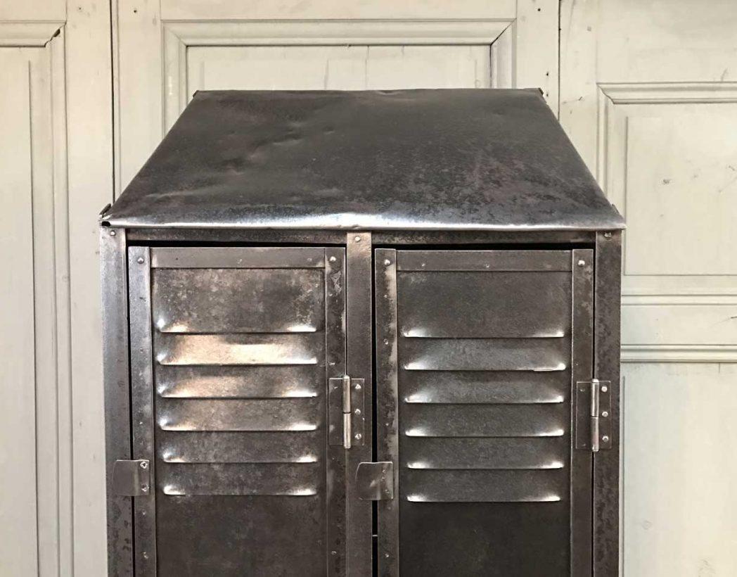 ancien-vestiaire-rivete-2-portes-mobilier-industriel-5francs-6