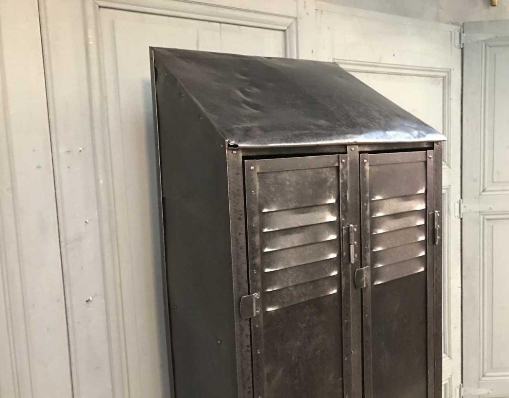 ancien-vestiaire-rivete-2-portes-mobilier-industriel-5francs-7